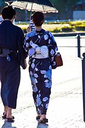 着物の女性