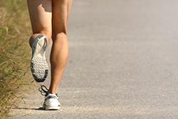スポーツによる膝の痛み